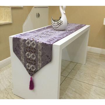 Chemin de table violet 210cm
